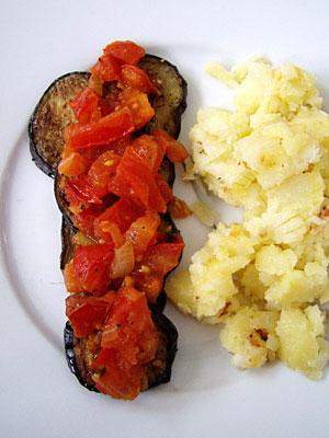 Aubergine mit Tomaten