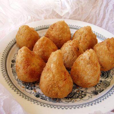 Coxhina – mit Hühnchen gefüllte Teigtaschen aus Brasilien
