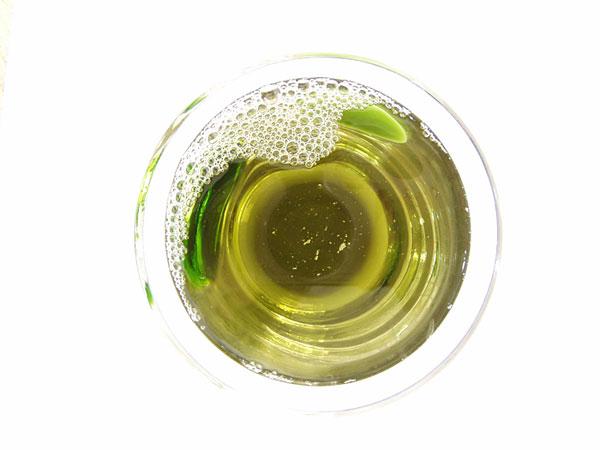Tee aus Blüten der Kanadischen Goldrute