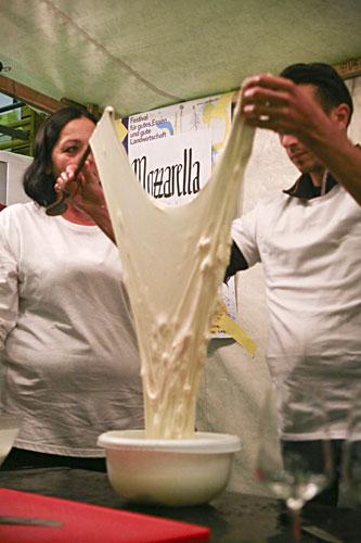 Mozzarella-Herstellung