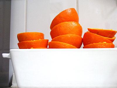 Zitrusfrüchte (Mineolas) geschält