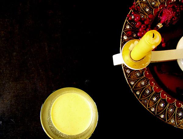 Nelkenwurz-Kurkuma-Milch