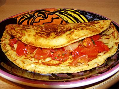 Parmesanpfannkuchen mit Estragon-Tomaten