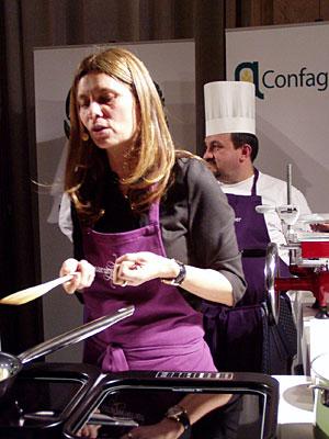 Sarah Wiener beim Branchen-Event in der italienischen Botschaft