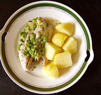 Schleie mit dicken Bohnen und Zitronen-Estragon-Soße