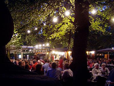 Rheingauer Weinbrunnen - Weinbrunnenfest am Rüdesheimer Platz