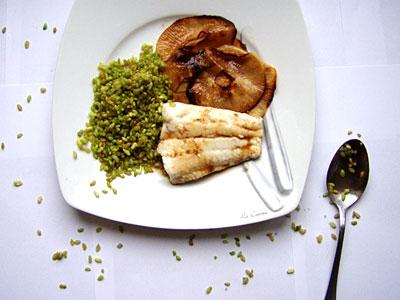 Zander mit grünem Reis und Schwarzem Rettich