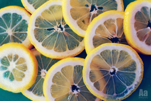 Zitronenscheiben für Bowle